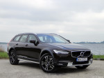 25_Volvo_V90_Cross_Country