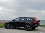 26_Volvo_V90_Cross_Country