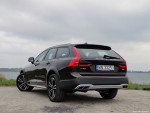 27_Volvo_V90_Cross_Country