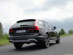 30_Volvo_V90_Cross_Country