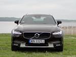 4_Volvo_V90_Cross_Country