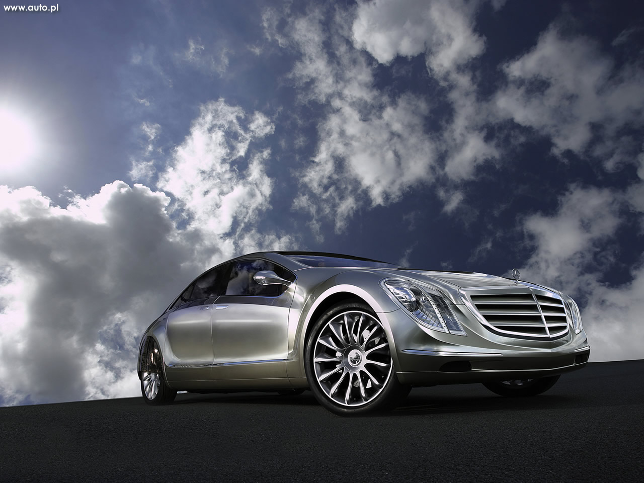 http://img.auto.com.pl/tapety/1280x960/135/135_Mercedes-Benz_F_700_research_car_018.jpg